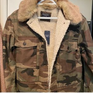 Abercrombie and Fitch cropped camo jacket